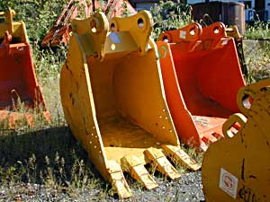 36″ Heavy Duty C&P Excavator Bucket