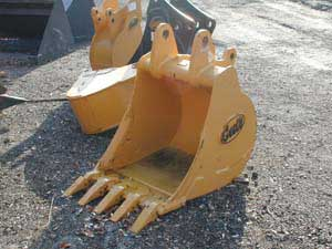 24″ Extra Heavy Duty Backhoe Bucket