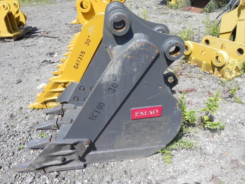 30″ EMAQ Excavator Bucket